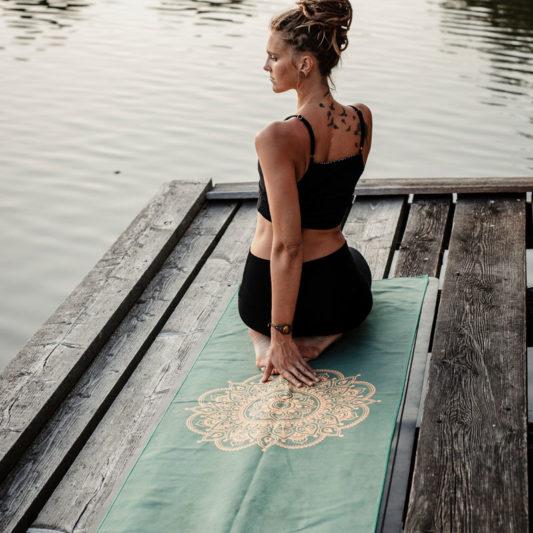 Yogatuch Inhale Joy Mandala Grün